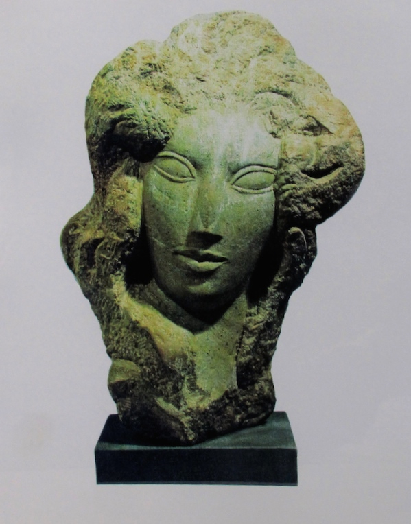 Lorrie Goulet, Florentina, 1978. Green serpentine stone, 23 x 13 x 10 in. Private collection.